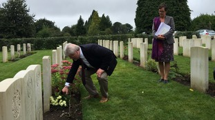 Simon Weston backs campaign urging people to visit local war graves