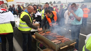 Hot dogs and refreshments were given to people taking part.