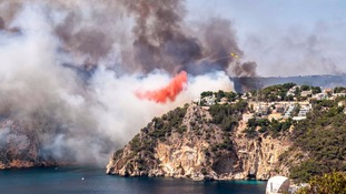 Around 1,000 people have been evacuated after wild fires broke out near Benidorm.
