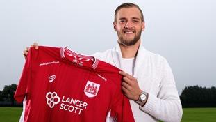 Bristol City sign Swedish international Ekstrand