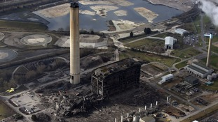 Body found in search for Didcot power station workers