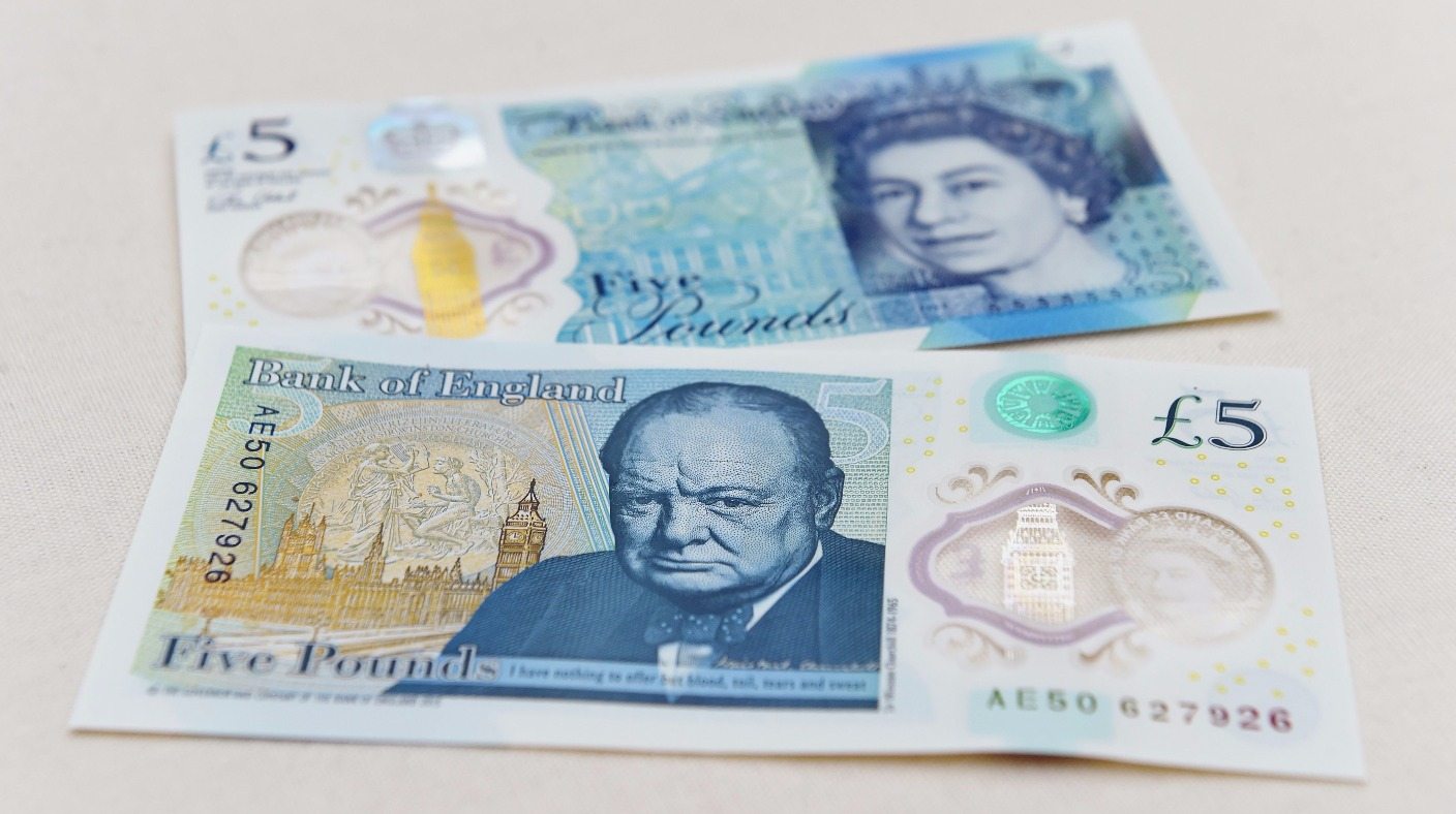 New plastic £5 notes ready for issue - ITV News