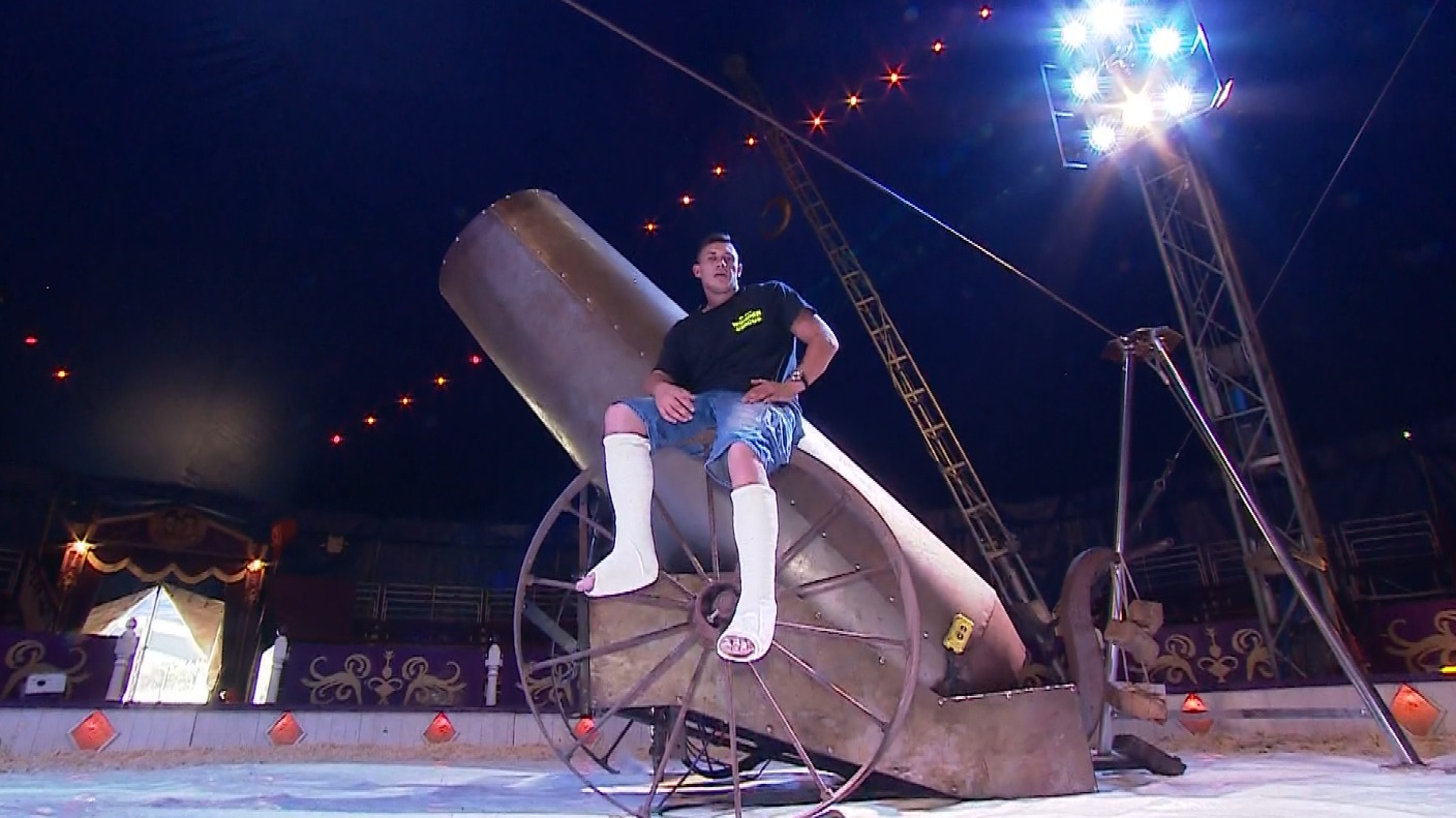 Human Cannonball Breaks Legs As Stunt Misfires Anglia