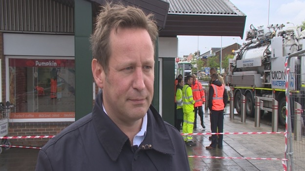 ED_VAIZEY_ON_DIDCOT_PARKWAY_FOR_WEB