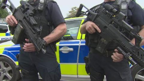 P-ARMED_POLICE_LK_sarah_saunders