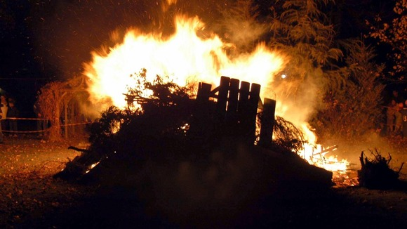 Leicestershire Police are advising people not to leave rubbish out for bonfire night