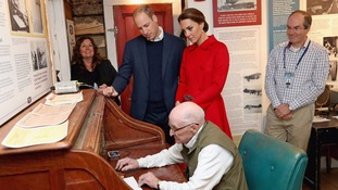 Duke and Duchess of Cambridge sign virtual visitors' book with first joint tweet on Canada tour