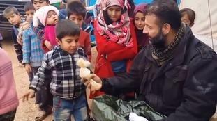 'Syrian Santa' risks his life to smuggle toys to children