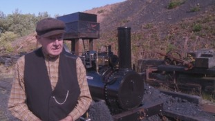 Exact replica of 1870s steam engine rebuilt 79-year-old engineer