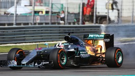 Engine fire leaves Hamilton title hopes in ruins