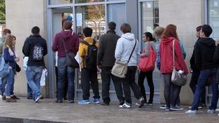Students 'want to shun Freshers' Week drinking to study', headteachers say