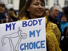 A pro-choice protester at a rally against the draft abortion law
