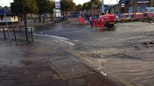 Households without water after burst water main in Crayford