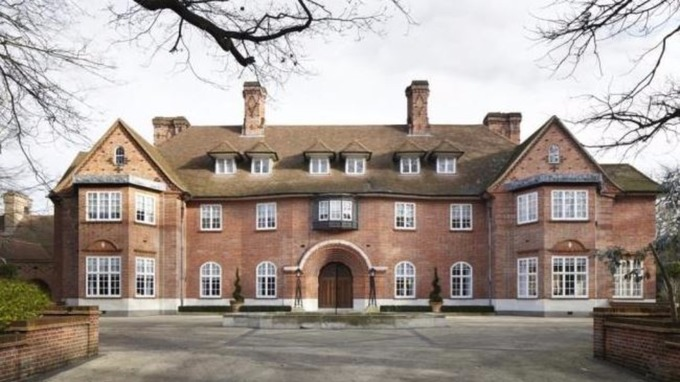 Justin Bieber 'rents a party mansion' in north London.