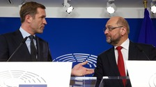 Walloon Minister President Paul Magnette (left) and European Parliament President Martin Schulz.
