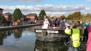 Kennet short boat arrives to applause