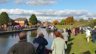 Crowds at the Kennet reaches Eldonian Village