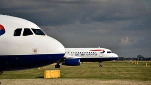 An existing runway at Heathrow could be extended.