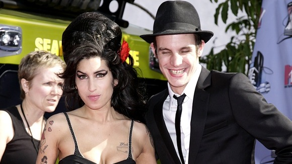 Amy Winehouse and her husband Blake Fielder-Civil arrive for the 2007 MTV Movie awards in Los Angeles.
