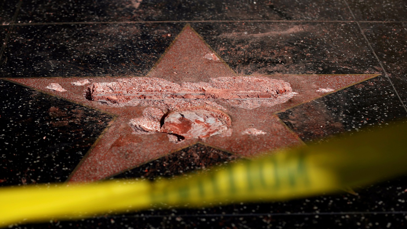 Donald Trump's Hollywood star destroyed by man with a pick ...