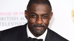 Actor Idris Elba filmed winning his first kickboxing match