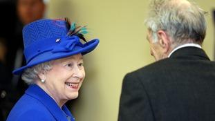 Queen Elizabeth meets former Jockey Jerry Blum, 87, in Newmarket in 2011.