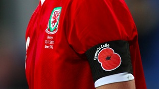 Should the Wales team defy FIFA ban and wear poppies?