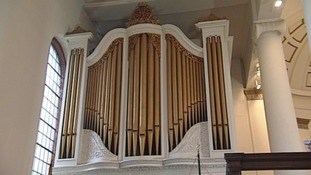 The pipes played by Handel