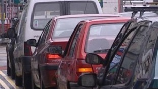 School run congestion 'damaging economy', report claims