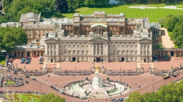 PalaceWebEvelyn. 369 million makeover for Buckingham Palace   ITV News