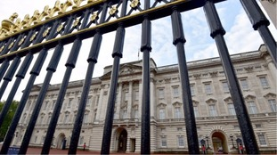 Chancellor defends £369m Buckingham Palace refurbishment