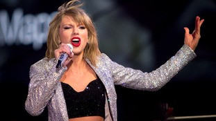 Taylor Swift takes on the Mannequin Challenge