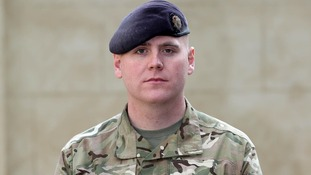 Soldier from York receives medal after defusing Taliban bomb