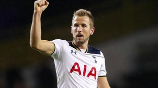 Spurs striker Kane signs new long-term contract