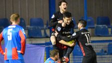 Ards and Mallards share six-goal thriller