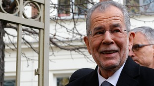 Alexander Van der Bellen has a 'clear lead' in the election