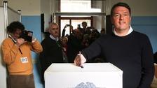 Italian PM Matteo Renzi cast his vote in Italy's referendum