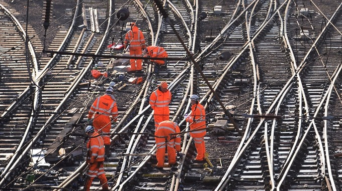 Image result for Network Rail to lose complete control of tracks in Government shake-up