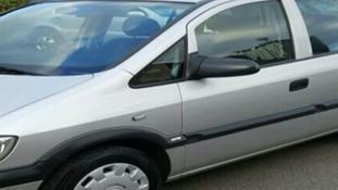 Silver Vauxhall Zafira