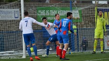 The win keeps Linfield's challenge alive.