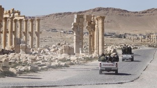 IS fighters 're-enter historic city of Palmyra'