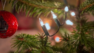 Crews issue Dos and Don'ts after Christmas light fire