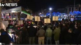 Hundreds take part in Syria vigil