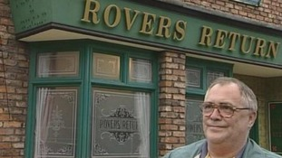 Bill Tarmey outside the Rovers Return