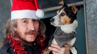 Christmas in the doghouse - the man from Cornwall who's spending 12 days living in a kennel