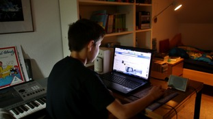 A child surfs the internet