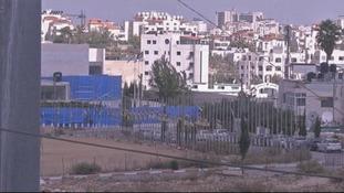 Yasser Arafat's grave cordoned off