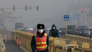 Environmental police deployed in Beijing to tackle ongoing smog problem