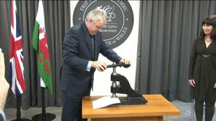 First Minister Carwyn Jones with his invention