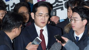 Prosecutors in South Korea seek arrest of Samsung vice chairman